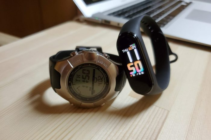 Xiaomi Mi band 4 表示比較